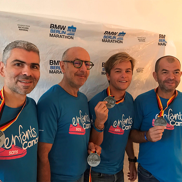 28 coureurs solidaires ont couru le marathon de Berlin pour Imagine for Margo