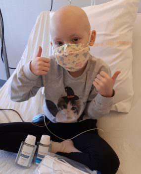 COVID-19 : des masques et du gel pour les enfants en cours de traitement