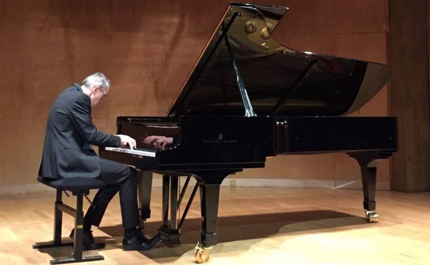 Antoine Moreau joue un deuxième récital de piano au profit d'Imagine for Margo