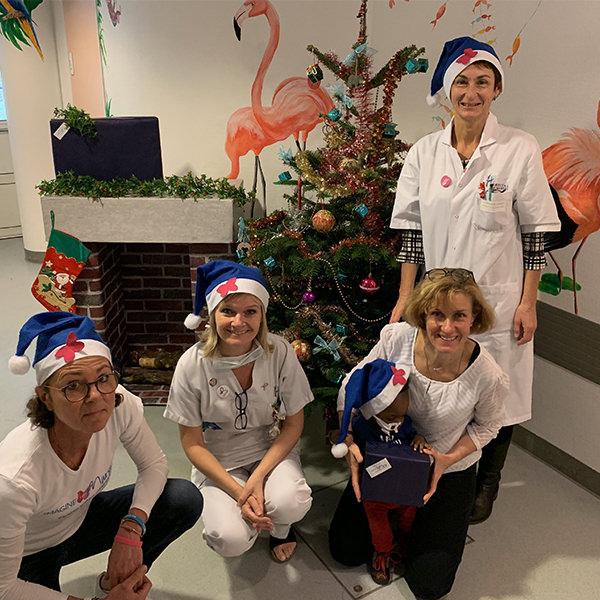 le Père Noël est passé dans les hôpitaux