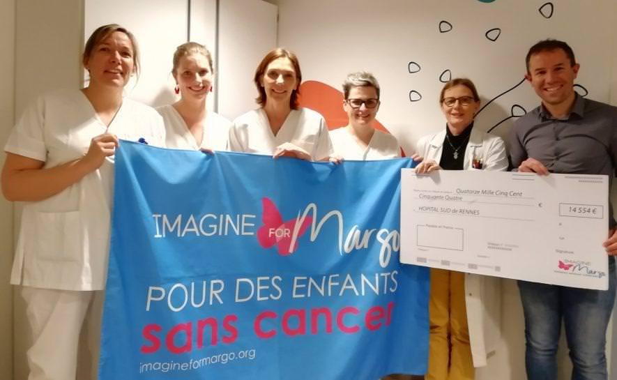 Rennes : un magnifique chèque remis à l'hôpital Sud grâce à Mickaël !