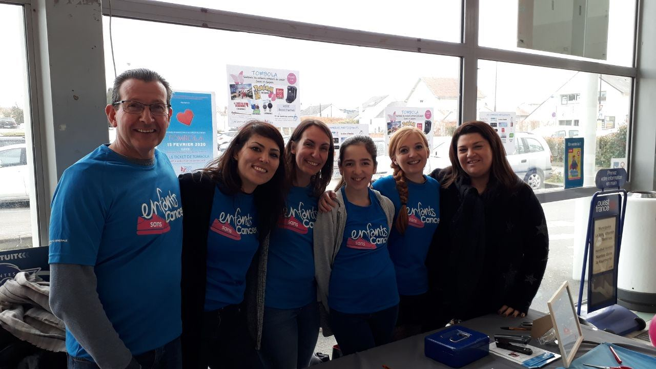 tombola solisaire au super u de Couëron au profit d'Imagine for Margo pour soutenir la lutte contre le cancer des enfants